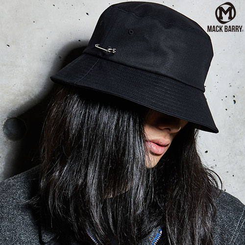 MACK BARRY맥베리_MCBRY BUCKET HAT(BLACK)